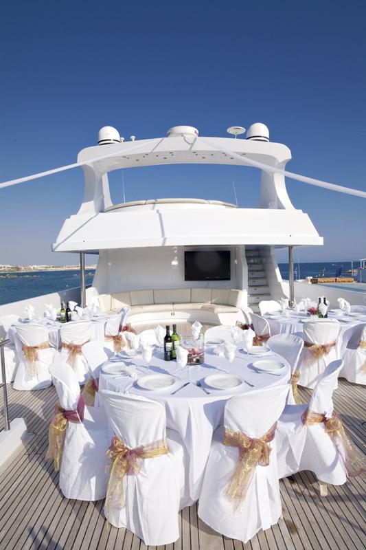 Свадебное торжество на шикарной яхте