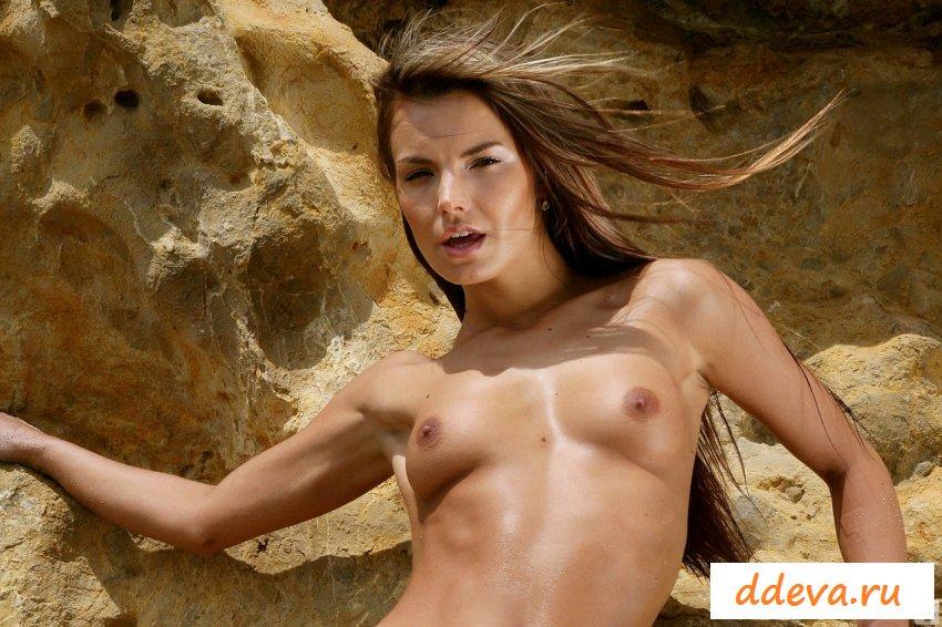 Сексуальные голые женщины с сайта ddeva.ru
