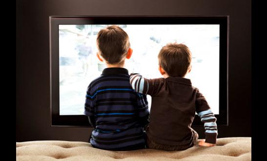 Как «вытащить» ребенка из телевизора