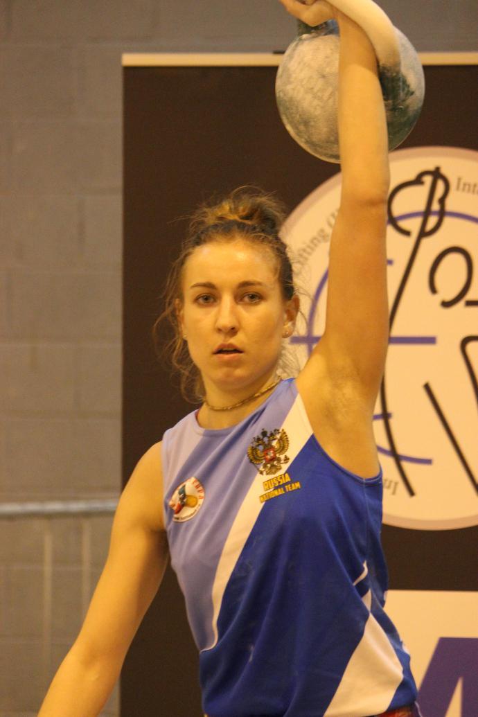 Ольга Ярёменко - молодая рекордсменка мира по гиревому спорту