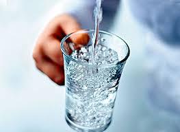Какую воду лучше пить во время еды?