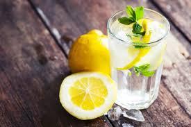 По утрам пьем воду с лимоном