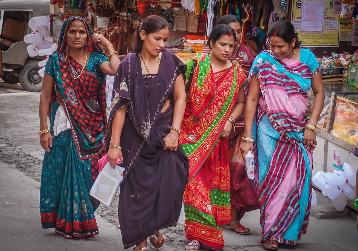 Индийские девушки на улице фото