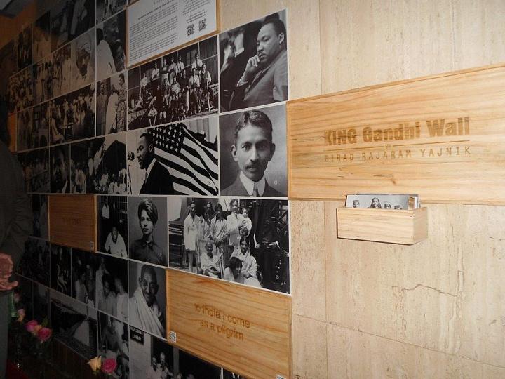 Экспозиция, посвященная Махатме Ганди, открывается в Центральном Доме живописца в столице России