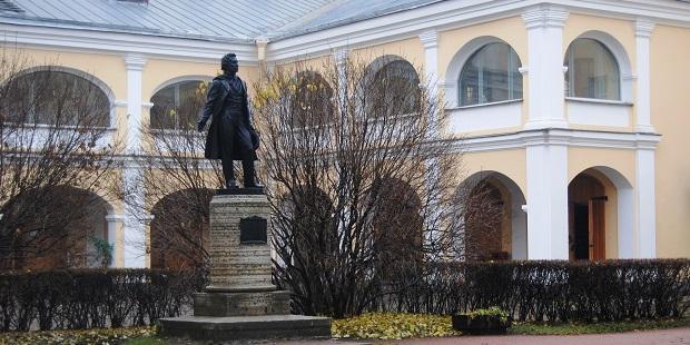 Владимир Мединский засвидетельствовал свое почтение коллектив Всероссийского музея А</div><div class=