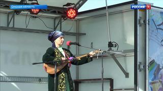 В сельских районах Омской области начали работать передвижные культурные центры