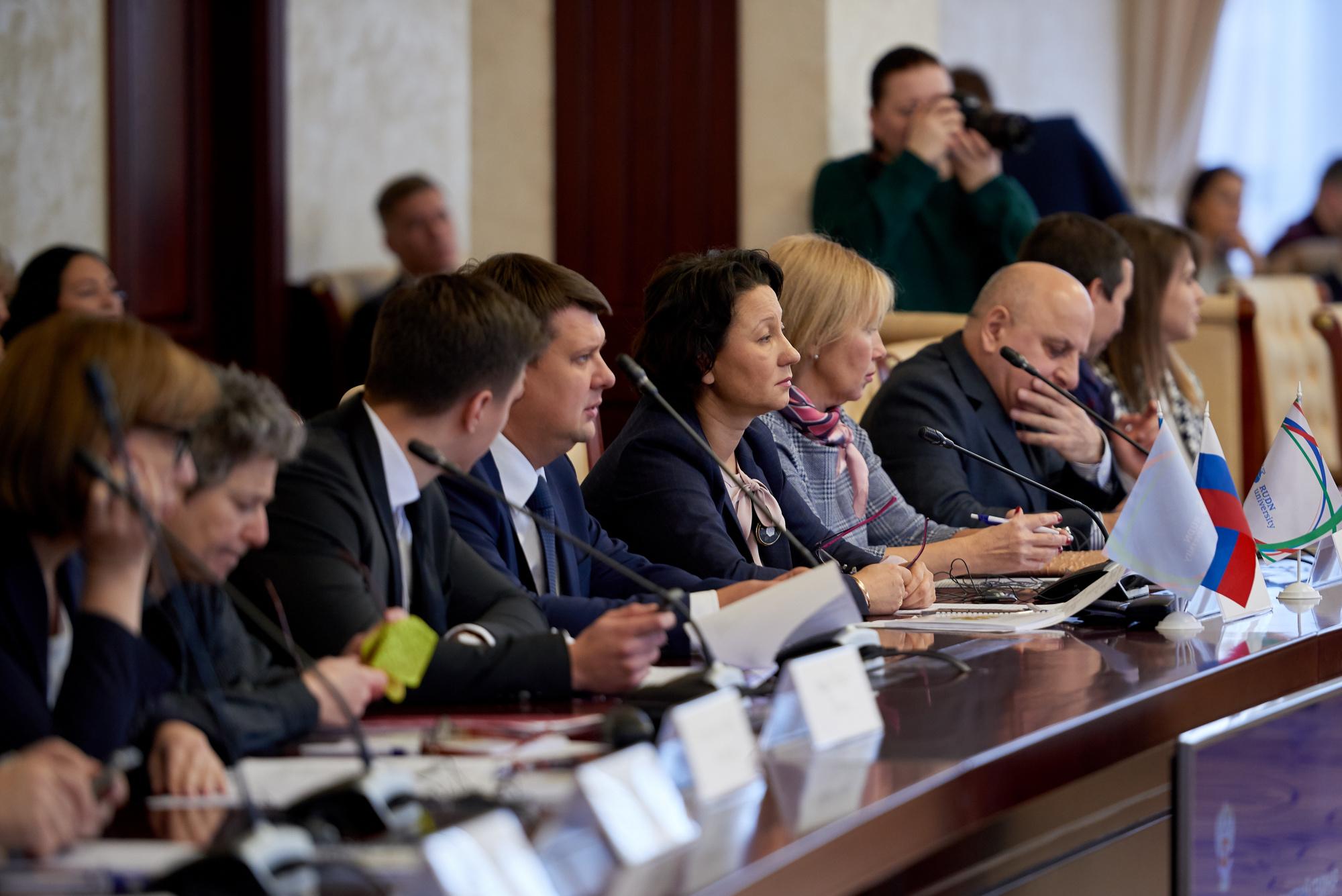 Специалисты обсудили реализацию положений Конвенций в сфере предохранения прав детей