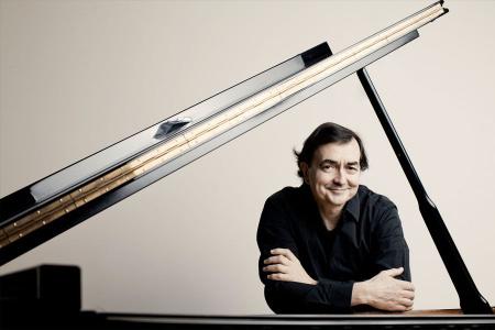 Французский пианист Пьер-Лоран Эмар даст в столице России два концерта