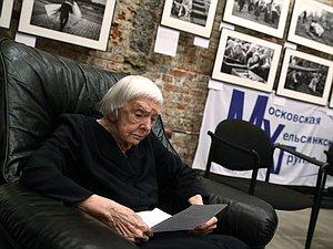 Посвятившая себя служению людям: к годовщине гибели Людмилы Алексеевой