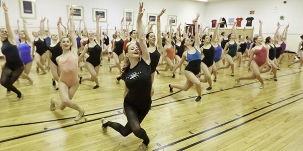 Здание с репетиционным танцевальным залом для Театрального института им</div><div class=
