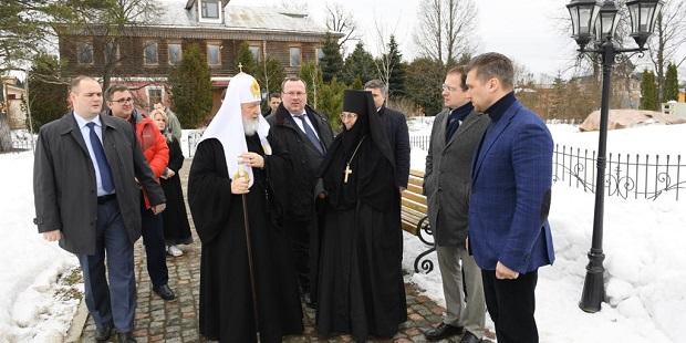 Владимир Мединский и Патриарх Кирилл посчитали отреставрированные объекты Зосимовой пустыни