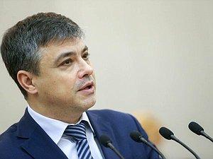 Дмитрий Морозов: надобно внедрить систему школьной медицины по всей стране
