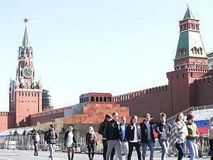 ГД в приоритетном порядке посмотрит проект закона об упрощении получения вида на жительство в РФ