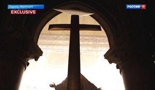 Эксклюзивные кадры, снятые внутри разрушенного после пожара собора Парижской Богоматери