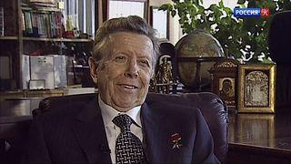 Легендарный кардиолог Евгений Чазов отмечает 90-летие