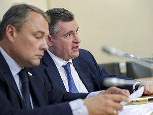 """На 2-м интернациональном форуме """" Развитие парламентаризма """" предполагается 800 зарубежных уполномоченных и"""