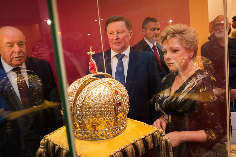 """Экспозиция """" Хранители времени. Реставрация в Музеях Московского Кремля """" открылась в столице России"""