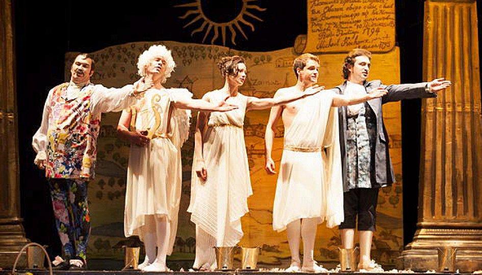 Белорусские театры поедут на гастроли по городам России во время Года театра