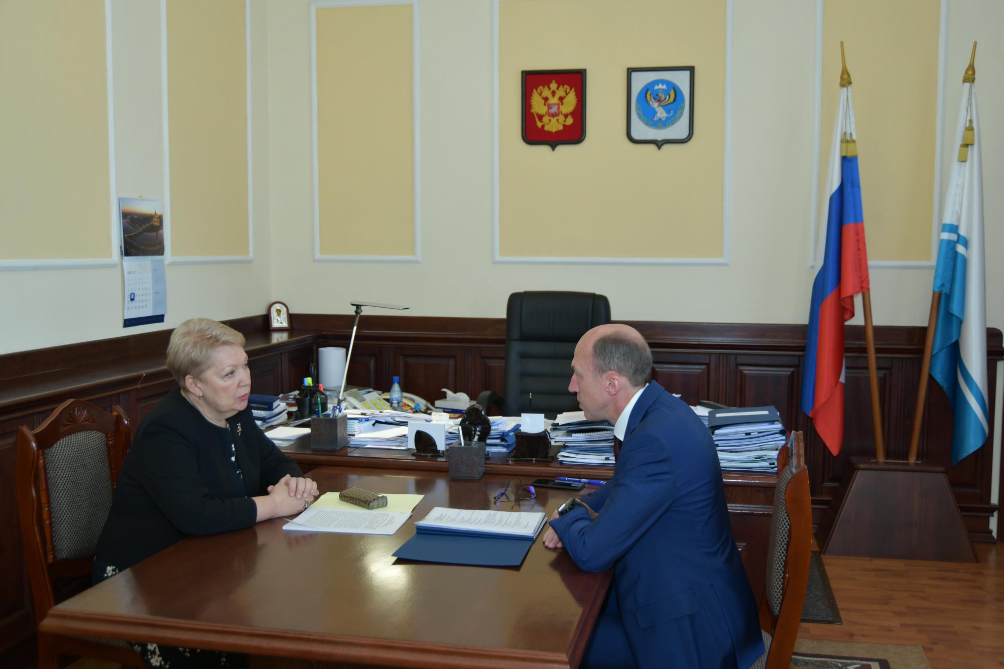 Глава министерства просвещения провела рабочую встречу с врио руководителя Республики Алтай