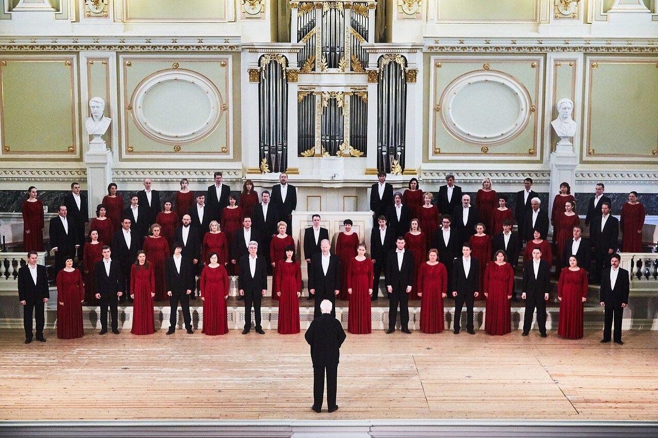 Хор Государственной академической капеллы Санкт-Петербурга принимает эстафету