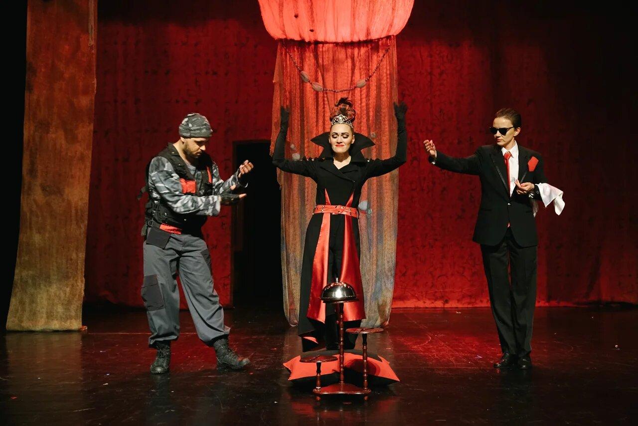 Гастроли Сургутского музыкально-драматического театра продолжаются в Берлине