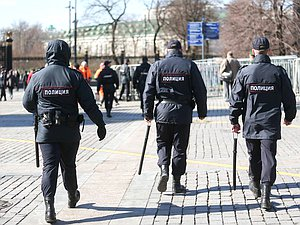 Служители правопорядка смогут объявлять гражданам предостережения