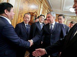 Депутаты РФ и КНР имеют планы совместно бороться с вмешательством в дела стран извне