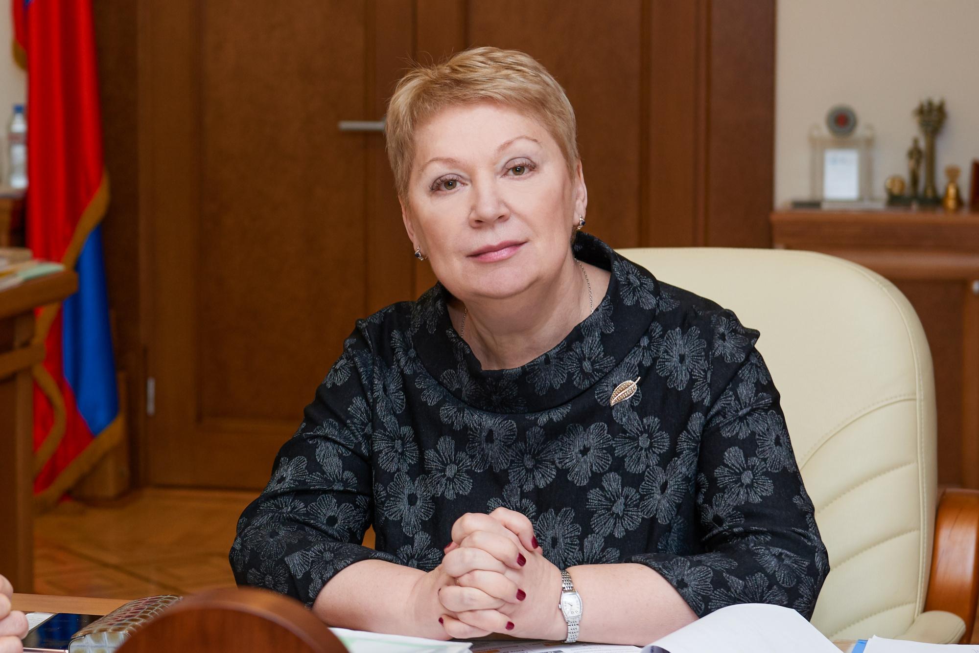 """Глава Минпросвещения ответила на вопросы читателей """" Российской газеты """""""