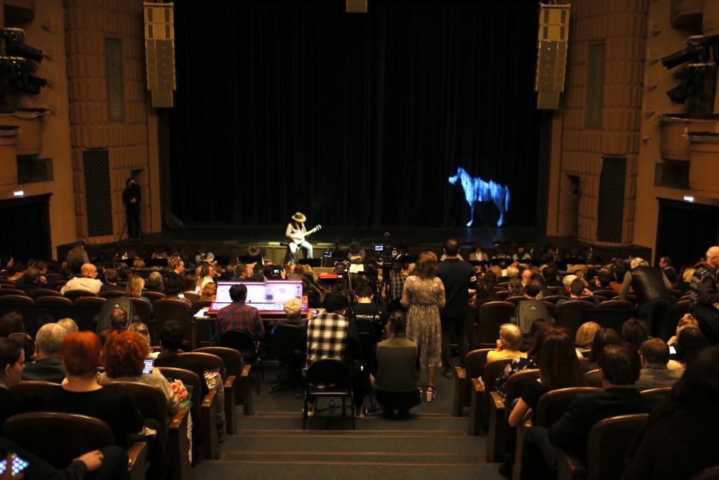 Владимир Мединский засвидетельствовал свое почтение коллектив Московского Губернского театра с днем рождения