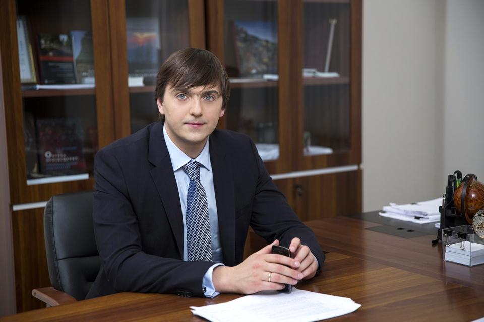 Министром просвещения рф назначен С</div><div class=