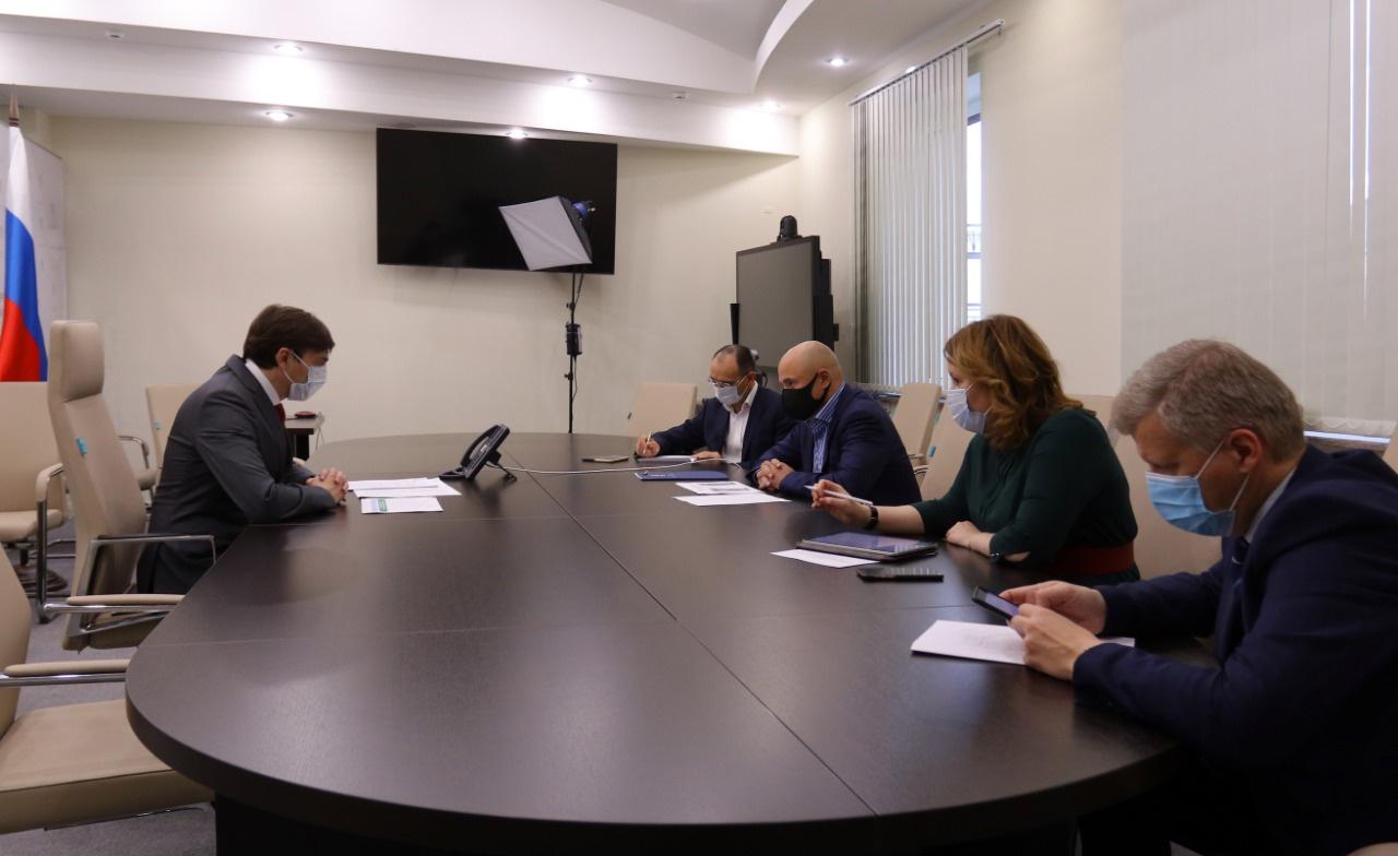 Глава министерства просвещения Сергей Кравцов встретился с главой Липецкой области Игорем Артамоновым