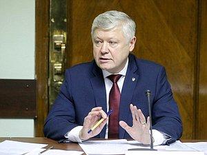 Василий Пискарев: запрет на двойное гражданство для бюрократов защитит суверенитет страны