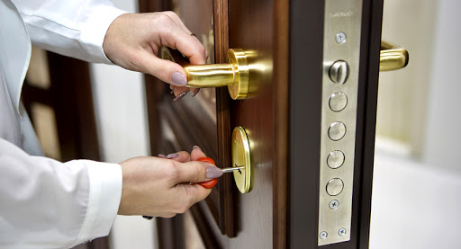 Выбор замка для входной металлической двери