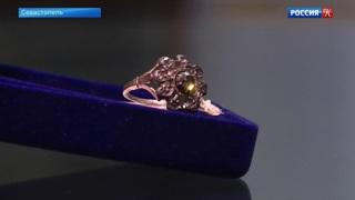 В музеях Крыма показали редкие ювелирные украшения