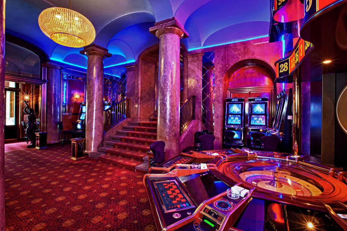 http://golden-casino.org/igrat-na-dengi/