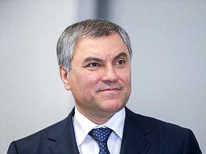 Вячеслав Володин засвидетельствовал свое почтение Евгению Симонову с днем рождения