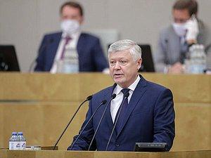 Василий Пискарев отправил запросы по факту возможного наличия у народных избранников ГД двойного гражданства