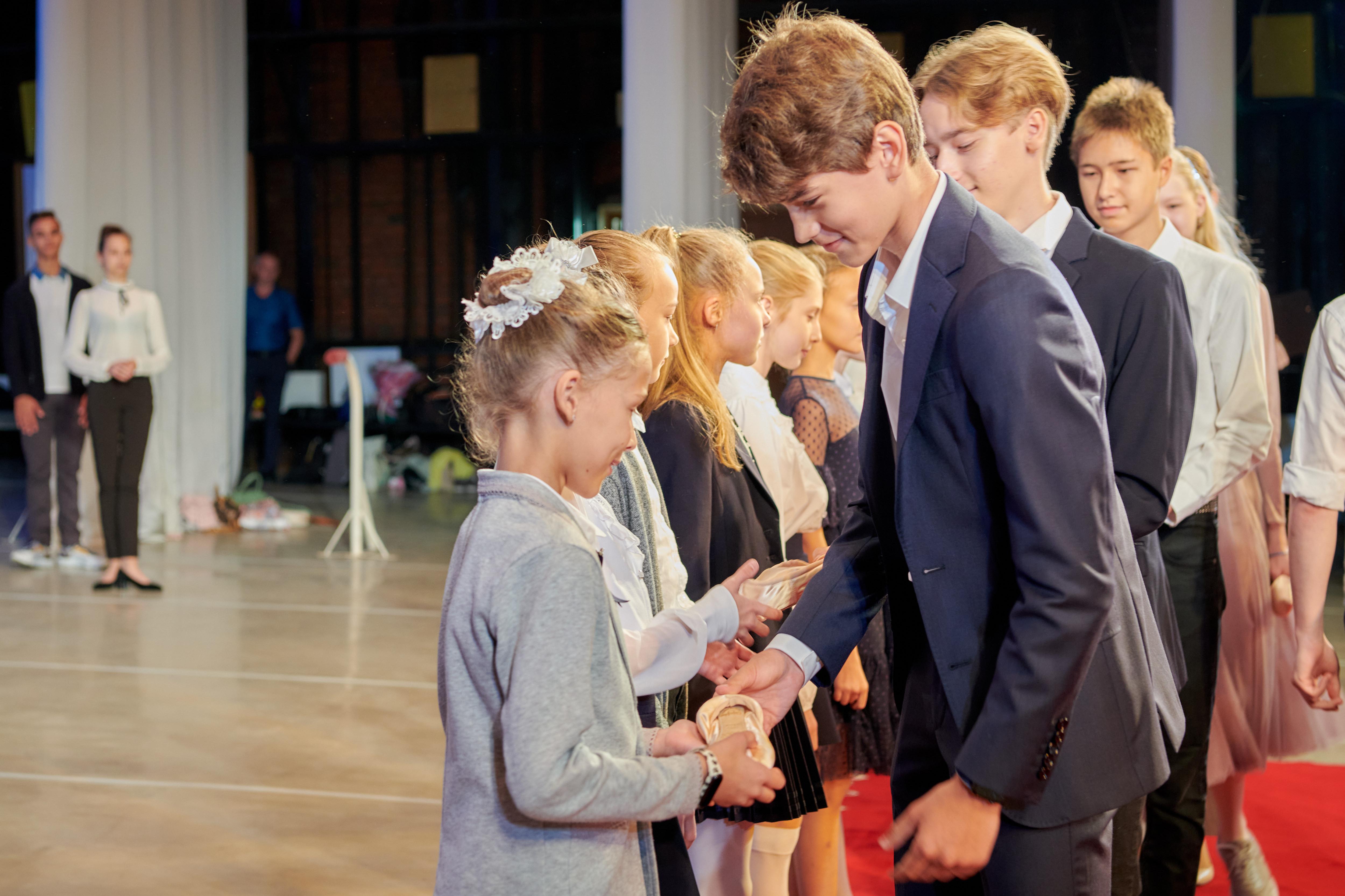 Ольга Любимова посетила церемонию посвящения в первоклассники в столичной государственной академии