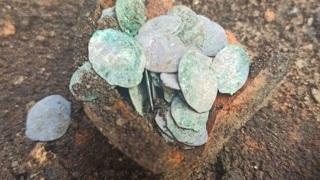 В Пскове обнаружили клад с монетами XVI века
