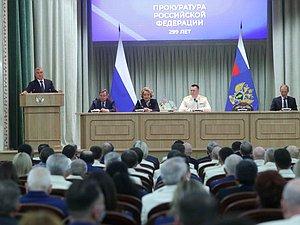 Вячеслав Володин принял участие в торжественном совещании, посвященном празднованию Дня работника пр