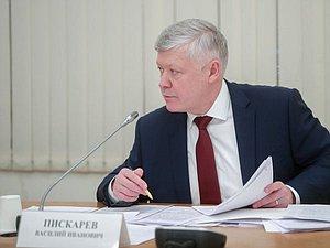 Василий Пискарев: надобно обсудить дополнительные законодательные меры по защите людей в частных