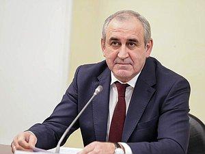 Сергей Неверов: руководитель не оставил без внимания вопросы, поднятые руководителями фракций ГД