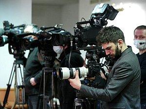 Новость: Вячеслав Володин выразил благодарность парламентский пул за освещение работы ГД
