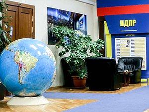 Владимир Жириновский проголосовал на выборах в ГД