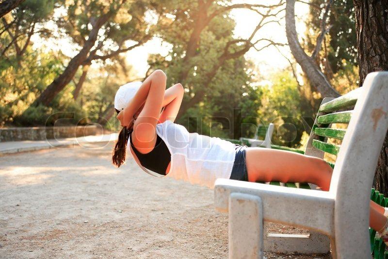 Секреты похудения от утренней зарядки.
